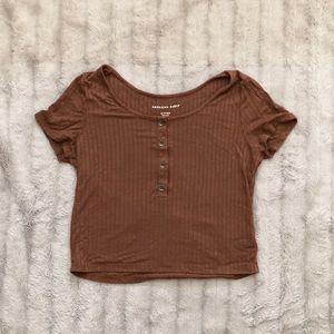 cropped American Eagle t-shirt